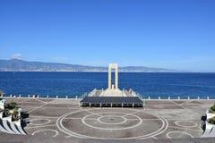Dello Stretto dell'arena alla spiaggia a Reggio Calabria fotografie stock libere da diritti