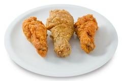 Delocious Fried Chicken Wings en el plato blanco Imágenes de archivo libres de regalías