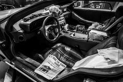 DeLorean时间机器的客舱回到根据DeLorean DMC-12跑车的未来特权的 免版税图库摄影
