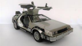 Delorean zurück zu der Zukunft 1 und Auto 2 Lizenzfreie Stockbilder