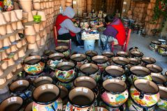 Delores Hidalgo, Mexico-January 10, 2017:People Painting Pottery Stock Photography