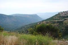 Delphi miasteczko Grecja 06 17 2014 Krajobraz natura skaliste góry blisko miasteczka Delphi w południe Grecja Obrazy Royalty Free