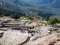Delphi Theatre, Heiligdom van Apollo, zet Parnassus, Griekenland op stock fotografie