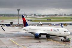 Delta Air Lines Boeing 767 Fotos de Stock Royalty Free