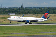 Delta Air Lines Boeing 767-332 start/N177DN (ER) Fotografia Stock