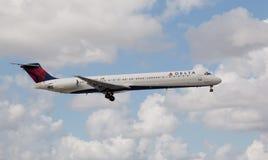 A Delta Air Lines MD-80 aircraft landing Stock Photos