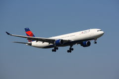 Delta Airlines Airbus A330 atterrissant Photo stock