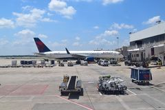 Delta Airlines a ATL immagine stock