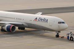 Delta Airlines B767 Imagem de Stock Royalty Free