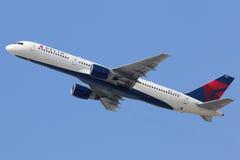 Delta Airlines Boeing 757-200 Fotografering för Bildbyråer