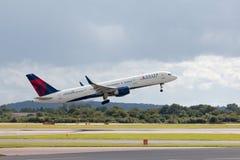 Delta Airlines Boeing 757 Fotos de Stock