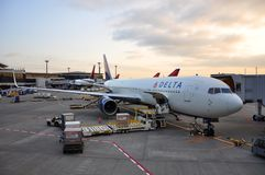 Delta Boeing 767-332(ER) in airport, in Tokyo, Japan Royalty Free Stock Photos