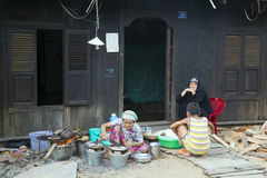 DELTA DE MEKONG, VIETNAME - EM MAIO DE 2014: Vida ordinária Imagem de Stock