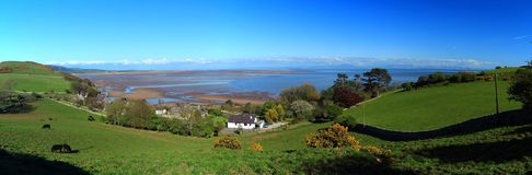 Delta de Solway e praia de Sandyhills da queimadura de Barnhourie, do Dumfries e do Galloway, Escócia imagem de stock