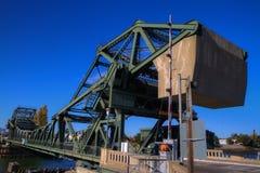 Deltabrücken-Gegengewicht Walnuss-Waldung HDR stockfoto
