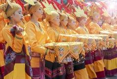 Deltagare av den Kadayawan festivalen utför Royaltyfri Fotografi