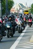 Deltagare av den 14th internationella motorcykeln Katyn samlar Royaltyfri Fotografi
