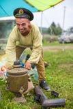 Deltagare av festivalen av folk odlar ryskt te Festivalen rymde årligen i den Grishino ecovillagen efter 2012 Royaltyfri Bild
