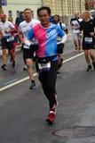 Deltagare av maraton för Moskva 6 royaltyfri bild