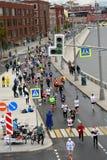 Deltagare av maraton för Moskva 6 royaltyfria bilder