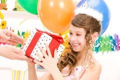 deltagare för flicka för ballongaskgåva arkivbilder