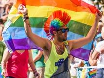 Deltagare i Stockholm Pride Parade 2015 fotografering för bildbyråer