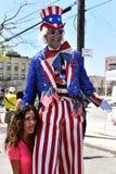 Deltagare marscherar i den 34th årliga sjöjungfrun ståtar på Coney Island Arkivfoto