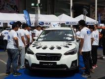 Deltagare till Subaru gömma i handflatan utmaningen 2018 royaltyfri fotografi