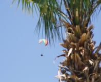 Deltaplane dans Oludeniz Photo libre de droits
