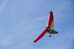 Deltaplane en el cielo Fotografía de archivo