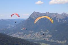 Deltaplaning in Samoens, Franse Alpen royalty-vrije stock afbeelding