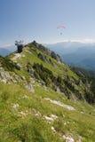 Deltaplano in montagne Fotografia Stock