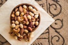 Deluxe Mischnüsse, Acajoubaum, Mandel und Erdnüsse Stockbilder