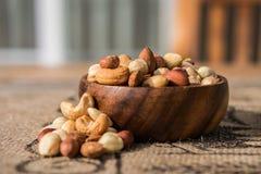 Deluxe Mischnüsse, Acajoubaum, Mandel und Erdnüsse Lizenzfreies Stockfoto