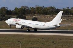 Delvist målade Air Berlin 737 Arkivfoton