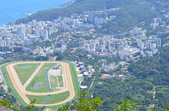 dem reizenden Brasilien unten betrachten Stockfoto