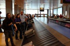 Demanda del equipaje en el aeropuerto Imagen de archivo libre de regalías