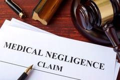 Demanda médica de la negligencia Imagenes de archivo