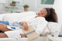 Demasiada leitura fê-la cair adormecido Foto de Stock Royalty Free