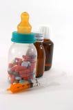 Demasiada medicación de los niños Fotografía de archivo libre de regalías