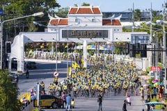 11 demember 2015年爸爸`的`自行车是庆祝第88生日周年的一个循环的事件fo陛下国王bhumibol在歌曲 免版税库存照片