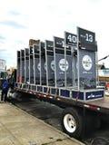 Demi camion populaire de signes de milles de maraphon de Brooklyn Image stock