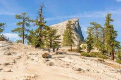 Demi dôme en parc national de Yosemite, la Californie, Etats-Unis Image stock
