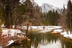 Demi de dôme chez Yosemite Images libres de droits