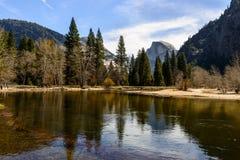 Demi de dôme, stationnement national de Yosemite Images stock