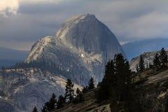 Demi de dôme Yosemite Photos stock