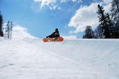 demi de snowboarder de pipe photographie stock libre de droits