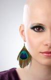 Demi de verticale de studio de visage de femme chauve photographie stock libre de droits