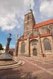 Demi demi cathédrale romane gothique Image stock