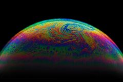 Demi fond d'abrégé sur boule de bulle de savon Modèle de l'univers de l'espace ou de planètes cosmique images stock